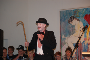 Hans Jørgen Hansen som konferencier i.